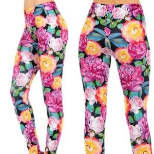 Pants - NWT Brushed Graphic Print Leggings One Size